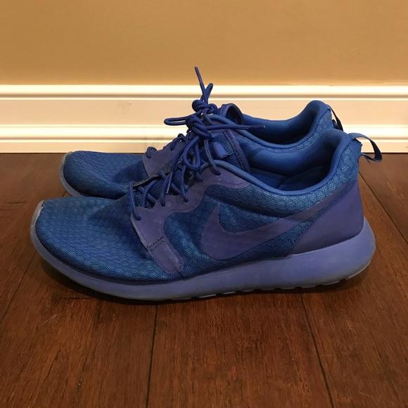 ca5d4c095a31 Men s blue Nike Roshes. M 5ac8388d36b9de5bbabca395